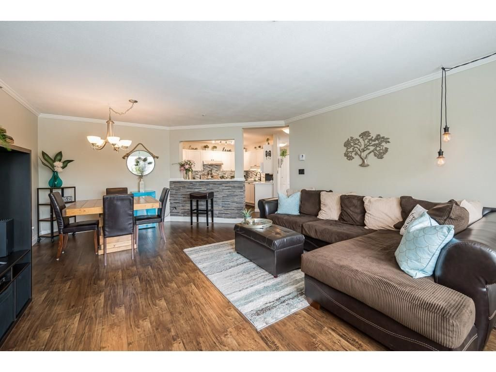 """Photo 7: Photos: 306 5450 208 Street in Langley: Langley City Condo for sale in """"Montgomery Gate"""" : MLS®# R2608181"""