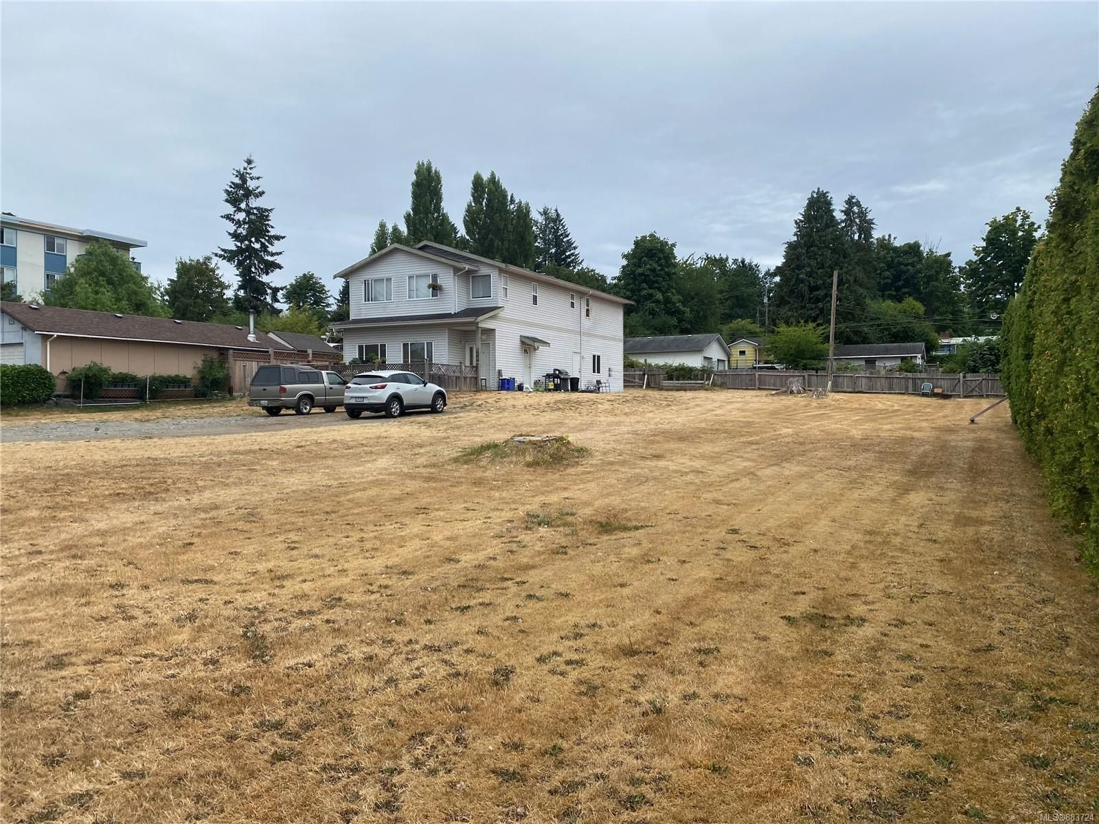 Main Photo: 859 9th Ave in : CR Campbell River Central Multi Family for sale (Campbell River)  : MLS®# 883724