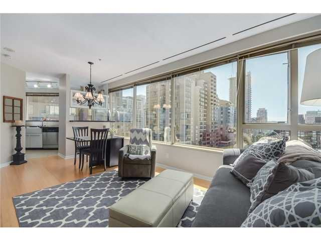 """Main Photo: 704 1177 HORNBY Street in Vancouver: Downtown VW Condo for sale in """"London Place"""" (Vancouver West)  : MLS®# V1069456"""