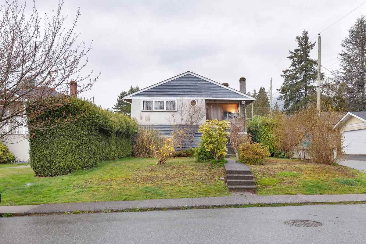 Main Photo: 314 W 20TH Street in North Vancouver: Central Lonsdale House for sale : MLS®# R2576256