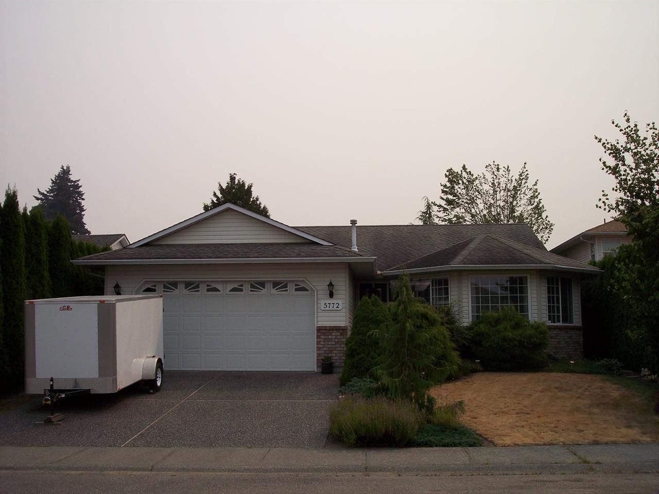 Main Photo: 5772 MANCHESTER Place in Sardis: Vedder S Watson-Promontory House for sale : MLS®# R2195207