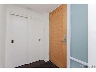 Photo 4: 404 708 Burdett Avenue in VICTORIA: Vi Downtown Residential for sale (Victoria)  : MLS®# 320630