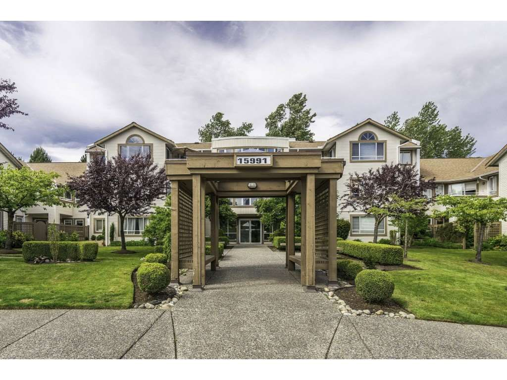 "Main Photo: 304 15991 THRIFT Avenue: White Rock Condo for sale in ""THE ARCADIAN"" (South Surrey White Rock)  : MLS®# R2426777"