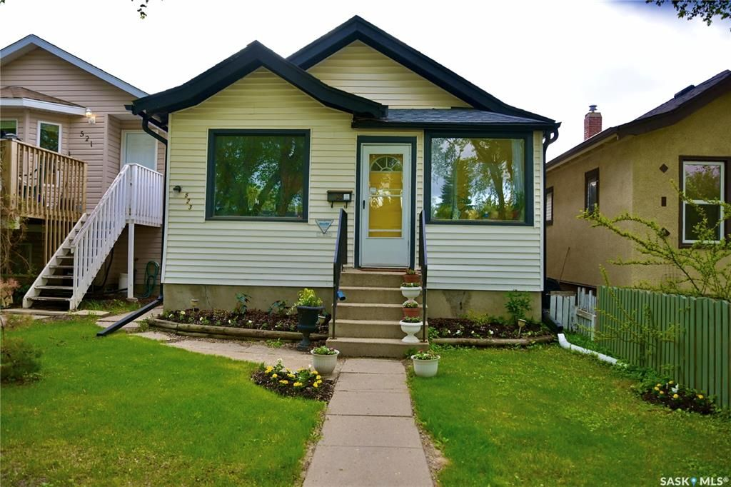 Main Photo: 523 I Avenue North in Saskatoon: Westmount Residential for sale : MLS®# SK856312