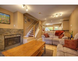 "Photo 2: 7480 HAWTHORNE Terrace in Burnaby: Highgate Townhouse for sale in ""ROCKHILL"" (Burnaby South)  : MLS®# V795963"