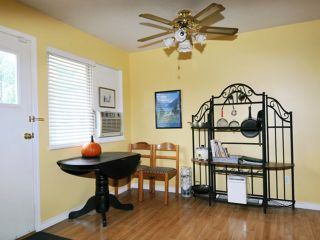 Photo 5: 20409 WALNUT Crescent in Maple Ridge: Southwest Maple Ridge House for sale : MLS®# V1033651