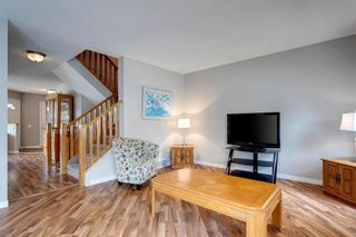 Photo 13: 33 SILVERGROVE Close NW in Calgary: Silver Springs Row/Townhouse for sale : MLS®# C4300784