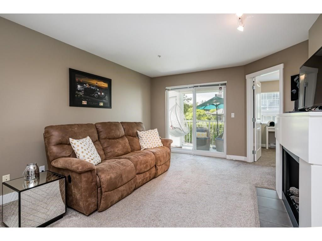 """Photo 15: Photos: 204 19366 65 Avenue in Surrey: Clayton Condo for sale in """"LIBERTY AT SOUTHLANDS"""" (Cloverdale)  : MLS®# R2591315"""