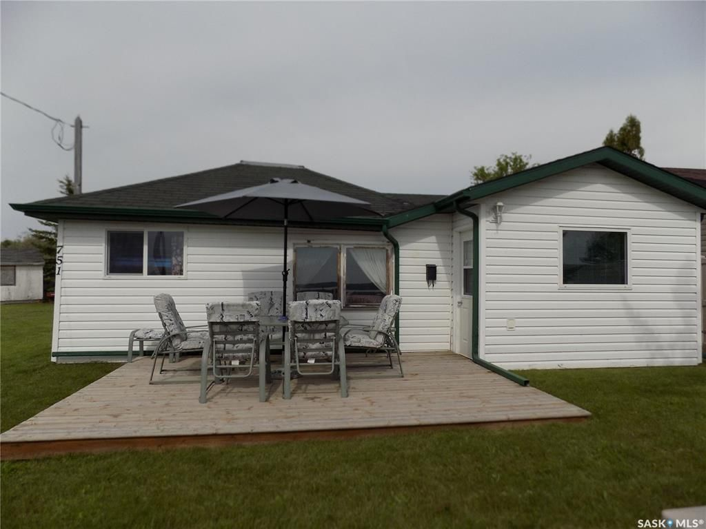 Main Photo: 751 Aqualane Avenue in Aquadeo: Residential for sale : MLS®# SK850365