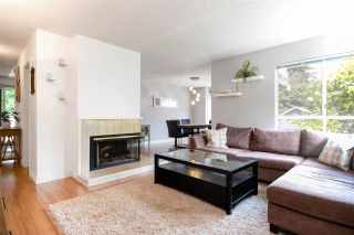 """Photo 3: 48 9000 ASH GROVE Crescent in Burnaby: Forest Hills BN Townhouse for sale in """"Ash Brook Place"""" (Burnaby North)  : MLS®# R2283977"""