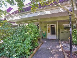 Photo 2: 16 4163 SOPHIA Street in Vancouver: Main Townhouse for sale (Vancouver East)  : MLS®# V1086743