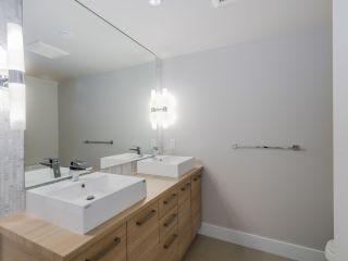 """Photo 9: 221 1783 MANITOBA Street in Vancouver: False Creek Condo for sale in """"Residences at West"""" (Vancouver West)  : MLS®# R2055907"""