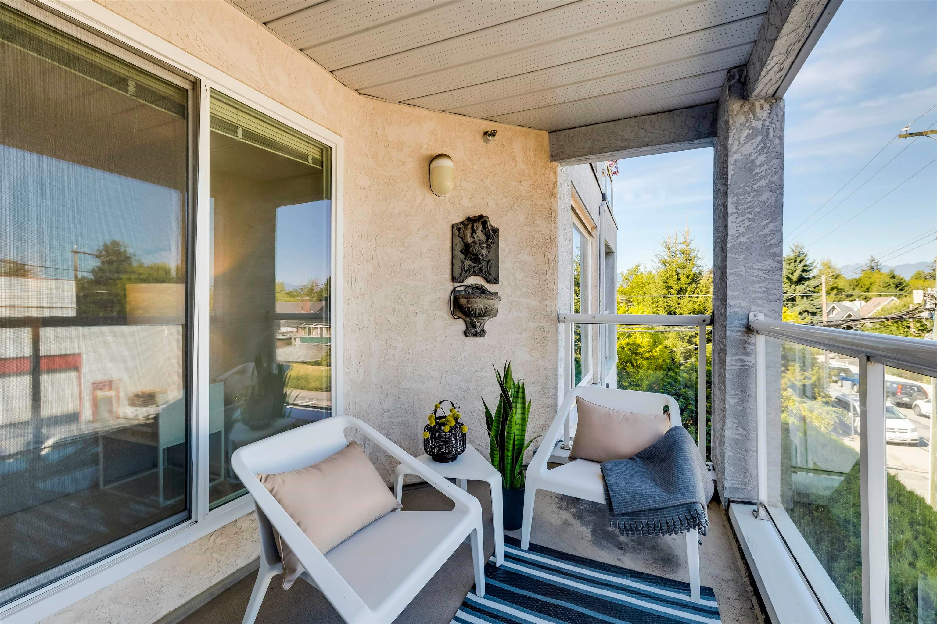 """Main Photo: 302 3505 W BROADWAY in Vancouver: Kitsilano Condo for sale in """"The Collingwood"""" (Vancouver West)  : MLS®# R2617748"""
