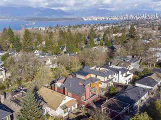 """Photo 38: 4228 W 11TH Avenue in Vancouver: Point Grey House for sale in """"Point Grey"""" (Vancouver West)  : MLS®# R2542043"""