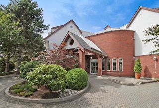 Main Photo: 106 2229 152 Street in South Surrey: Condo for sale (South Surrey White Rock)