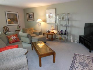 """Photo 5: 309 1000 BOWRON Court in North Vancouver: Roche Point Condo for sale in """"Parkway Terrace"""" : MLS®# R2178474"""