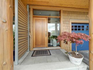 """Photo 5: 6498 WILDFLOWER Place in Sechelt: Sechelt District Townhouse for sale in """"Wakefield Beach - Second Wave"""" (Sunshine Coast)  : MLS®# R2589812"""
