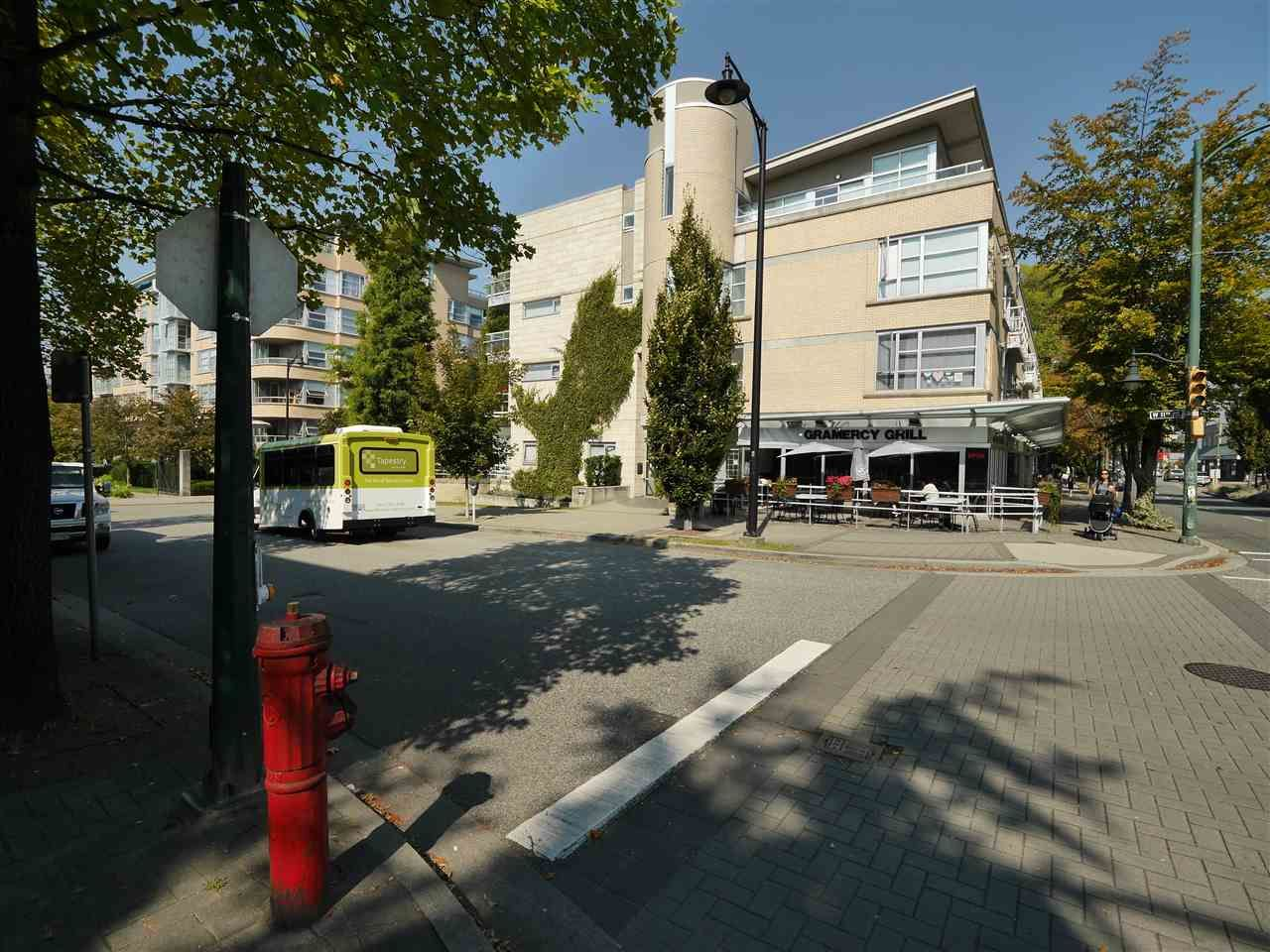 """Photo 13: Photos: 315 2768 CRANBERRY Drive in Vancouver: Kitsilano Condo for sale in """"ZYDECO"""" (Vancouver West)  : MLS®# R2566057"""