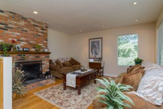 Photo 4: 25512 12 Avenue in Langley: Otter District House for sale : MLS®# R2235152