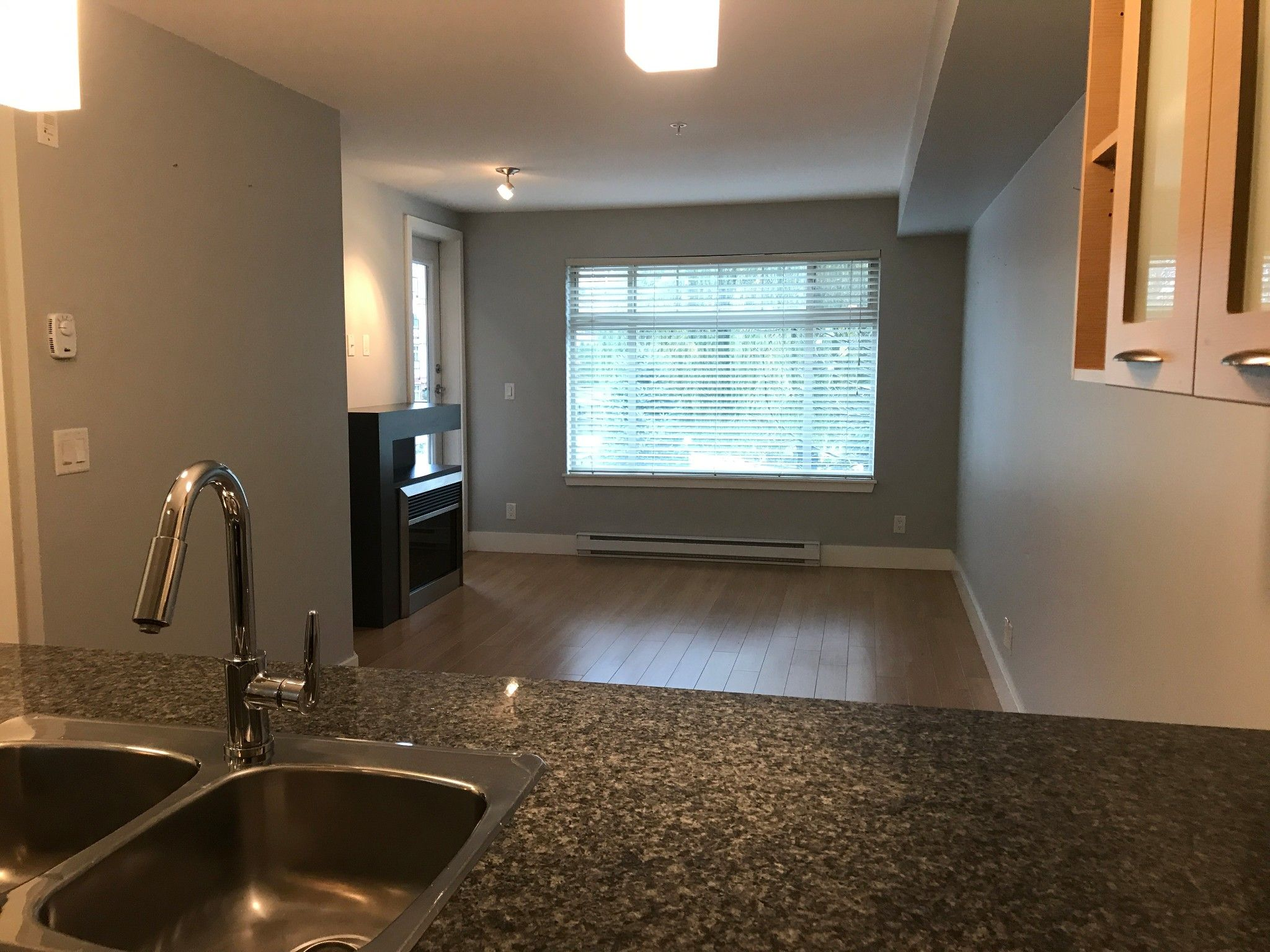Photo 5: Photos: #232 2233 McKenzie Rd. in Abbotsford: Central Abbotsford Condo for rent