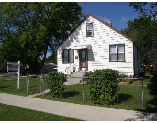 Main Photo: 804 Buchanan Blvd in Winnipeg: Residential for sale : MLS®# 2813205