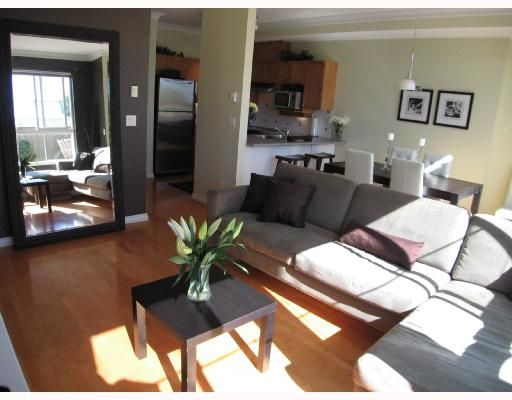 """Photo 3: Photos: 301 5605 HAMPTON Place in Vancouver: University VW Condo for sale in """"THE PEMBERLEY"""" (Vancouver West)  : MLS®# V657291"""