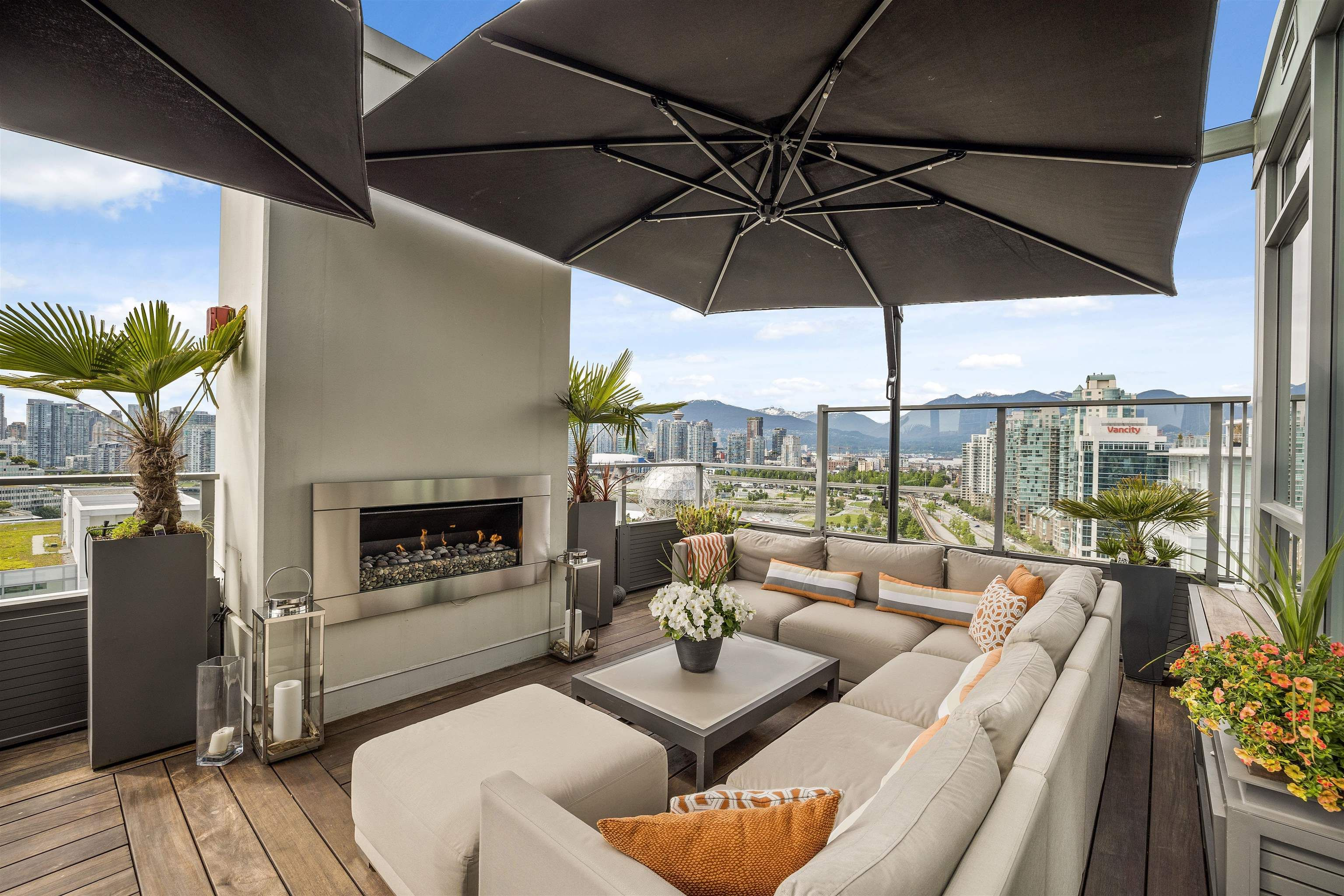 """Main Photo: PH 2101 110 SWITCHMEN Street in Vancouver: Mount Pleasant VE Condo for sale in """"THE LIDO"""" (Vancouver East)  : MLS®# R2614884"""
