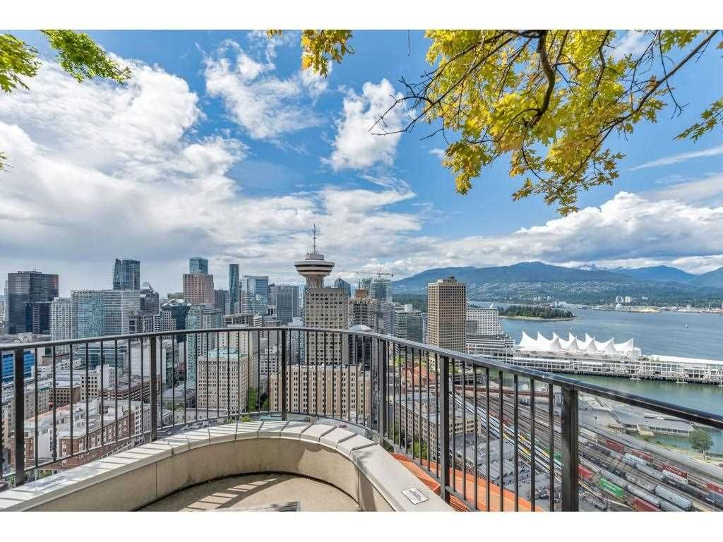 """Photo 31: Photos: 1704 128 W CORDOVA Street in Vancouver: Downtown VW Condo for sale in """"WOODWARDS"""" (Vancouver West)  : MLS®# R2592545"""