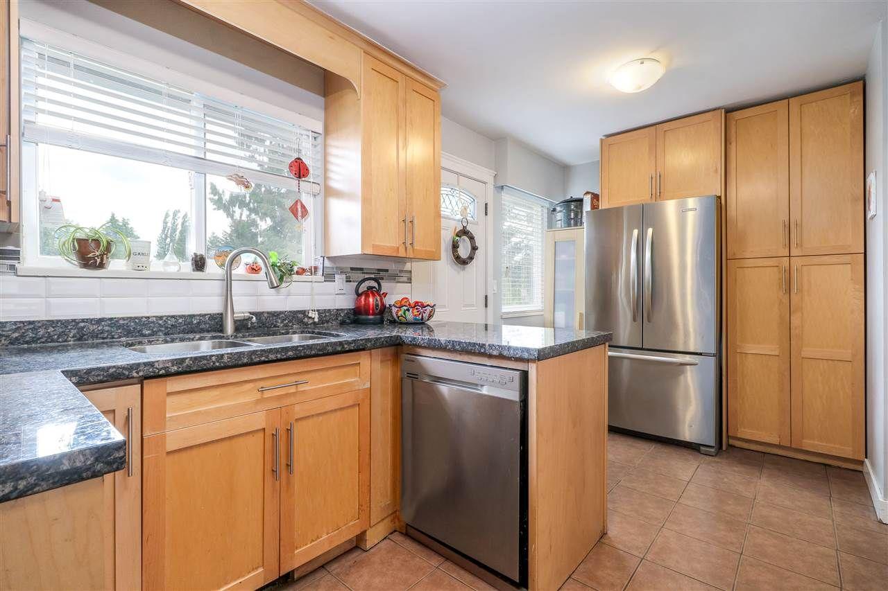 Photo 6: Photos: 11664 209 Street in Maple Ridge: Southwest Maple Ridge House for sale : MLS®# R2278498