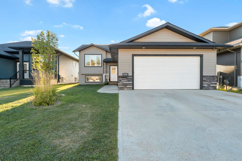 Main Photo: 6606 Tri-City Way: Cold Lake House for sale : MLS®# E4261803