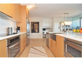 """Photo 3: PH6 251 E 7TH Avenue in Vancouver: Mount Pleasant VE Condo for sale in """"DISTRICT"""" (Vancouver East)  : MLS®# R2542420"""