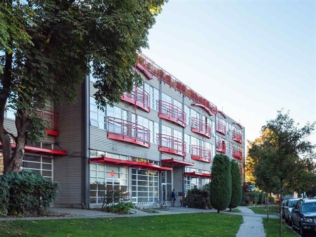 """Main Photo: 308 350 E 2ND Avenue in Vancouver: Mount Pleasant VE Condo for sale in """"MAIN SPACE"""" (Vancouver East)  : MLS®# R2323736"""