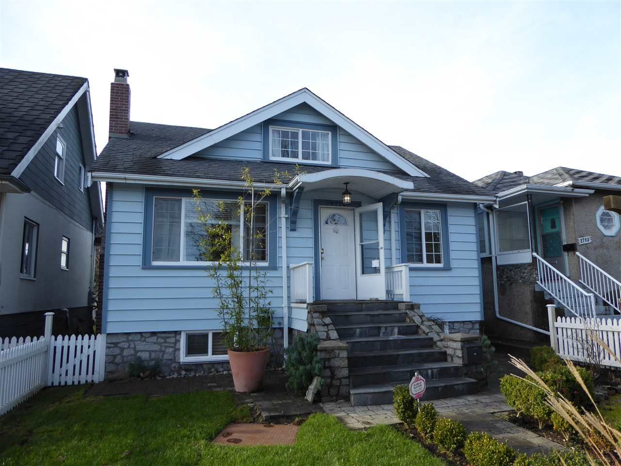 Main Photo: 2779 NANAIMO Street in Vancouver: Grandview VE House for sale (Vancouver East)  : MLS®# R2023376
