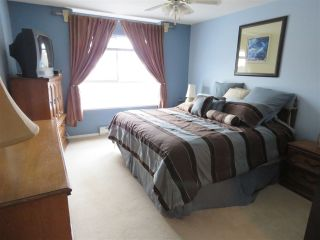 Photo 7: 302 5568 201A Street in Langley: Langley City Condo for sale : MLS®# R2140790