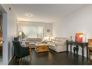 """Photo 5: 210 119 W 22ND Street in North Vancouver: Central Lonsdale Condo for sale in """"ANDERSON WALK"""" : MLS®# V1133938"""