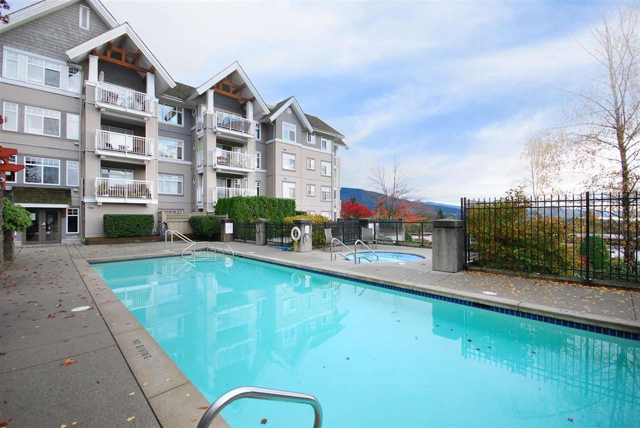 "Photo 14: Photos: 204 1428 PARKWAY Boulevard in Coquitlam: Westwood Plateau Condo for sale in ""Montreaux"" : MLS®# R2132471"