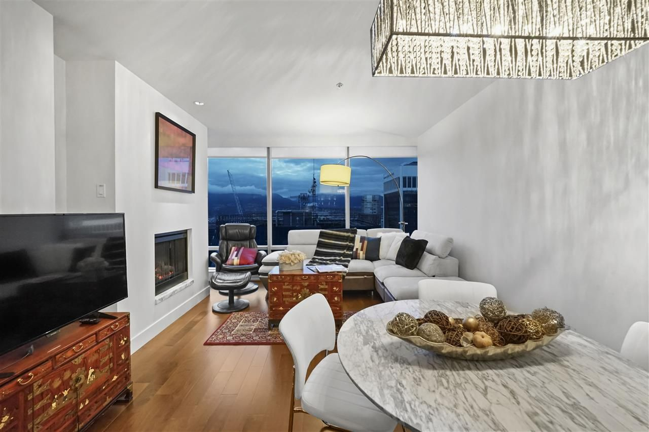 """Main Photo: 3603 1111 ALBERNI Street in Vancouver: West End VW Condo for sale in """"SHANGRI-LA"""" (Vancouver West)  : MLS®# R2521005"""