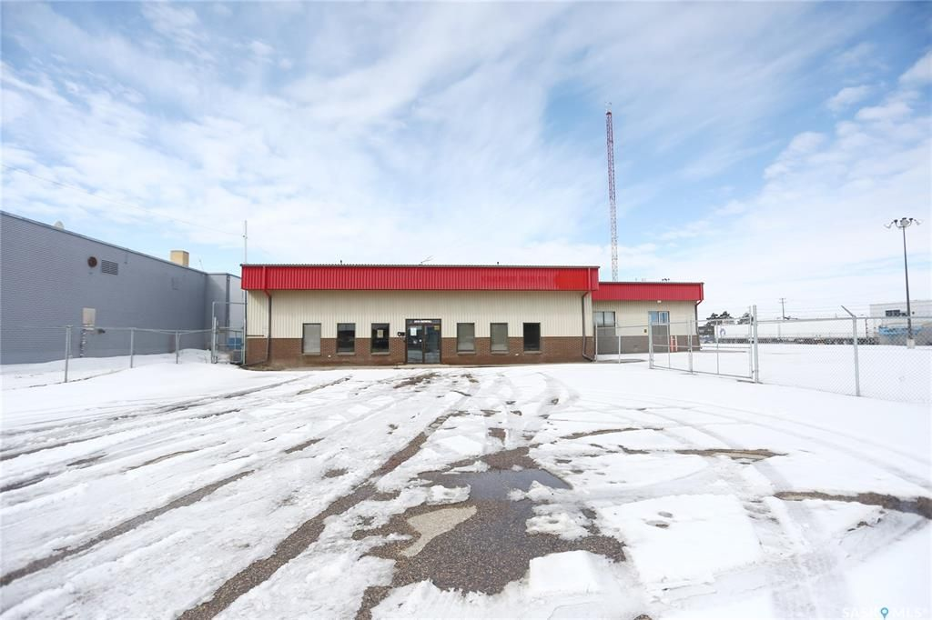 Main Photo: 2215 Faithfull Avenue in Saskatoon: North Industrial SA Commercial for sale : MLS®# SK805183