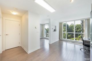 """Photo 5: 407 10777 UNIVERSITY Drive in Surrey: Whalley Condo for sale in """"City Point"""" (North Surrey)  : MLS®# R2599755"""