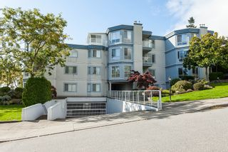 """Photo 2: 307 15941 MARINE Drive: White Rock Condo for sale in """"THE HERITAGE"""" (South Surrey White Rock)  : MLS®# R2408083"""