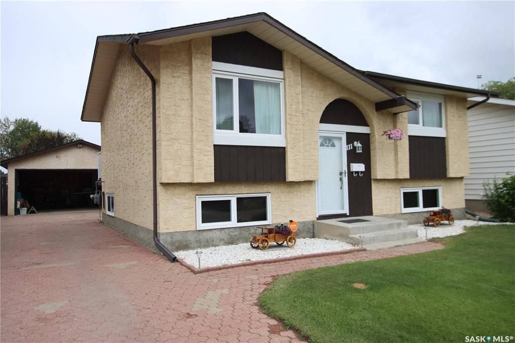 Main Photo: 111 Caldwell Crescent in Saskatoon: Parkridge SA Residential for sale : MLS®# SK863010