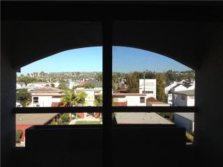 Photo 8: PACIFIC BEACH Condo for sale : 2 bedrooms : 1225 Pacific Beach Drive #4b in San Diego