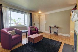 Photo 3: 1863 San Pedro Ave in : SE Gordon Head House for sale (Saanich East)  : MLS®# 878679