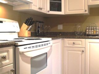 Photo 4: 106 15369 Thrift Ave in Anthena Manor: Home for sale