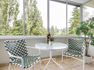 Photo 5: 606 1425 ESQUIMALT AVENUE in West Vancouver: Ambleside Condo for sale : MLS®# R2194722