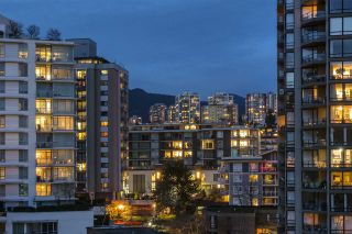 "Photo 10: 906 155 W 1ST Street in North Vancouver: Lower Lonsdale Condo for sale in ""Time"" : MLS®# R2440353"