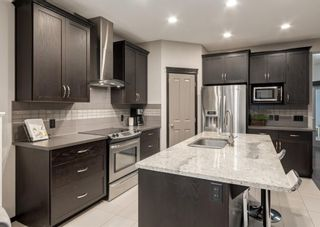 Photo 5: 69 ELGIN MEADOWS Link SE in Calgary: McKenzie Towne Detached for sale : MLS®# A1098607