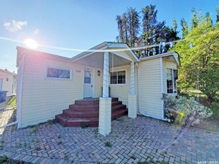 Photo 1: 110 2nd Street West in Pierceland: Residential for sale : MLS®# SK866783