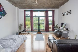 """Photo 6: 303 22 E CORDOVA Street in Vancouver: Downtown VE Condo for sale in """"Van Horne"""" (Vancouver East)  : MLS®# R2191464"""