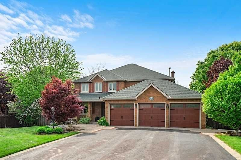 Main Photo: 36 Flint Cres in Whitchurch-Stouffville: Freehold for sale : MLS®# N4397036